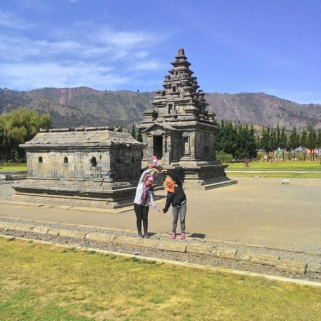 Komplek Candi Arjuna Dieng foto oleh ausnrashka